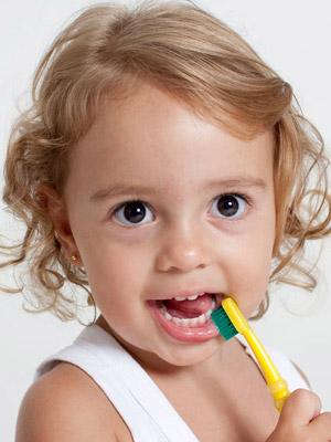 Suavidade e diversão no surgimento dos primeiros dentinhos